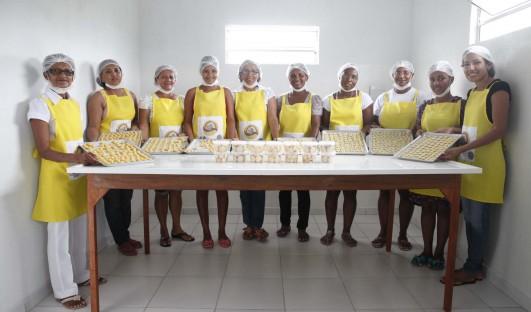 BrazilFoundation Riachão do Jacuípe Mandassaia Doces Bolos Biscoitos ONG Sweets Cookies Production