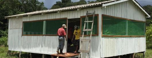 BrazilFoundation Casa do Rio Careiro Castanho Amazonas Artesanato Palha do babaçu Esculturas ONG Straw and Wood