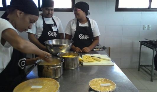 BrazilFoundation Gastromotiva Salvador Bahia Curso Profissionalizante Auxiliar de cozinha ONG
