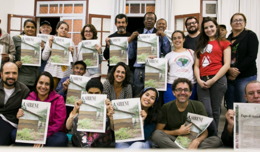 Coletivo A Sirene BrazilFoundation Edital 2016 Mariana Jornal Famílias Atingidas Memórias Oficina de Leitura Projeto Social Social Project ONG