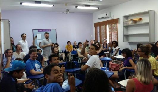 Redes Mare BrazilFoundation Team Rio ASSOCIAÇÃO REDES DE DESENVOLVIMENTO DA MARÉ ONG Projeto Social Rio de Janeiro Curso Preparatório para o Ensino Médio Favela da Maré