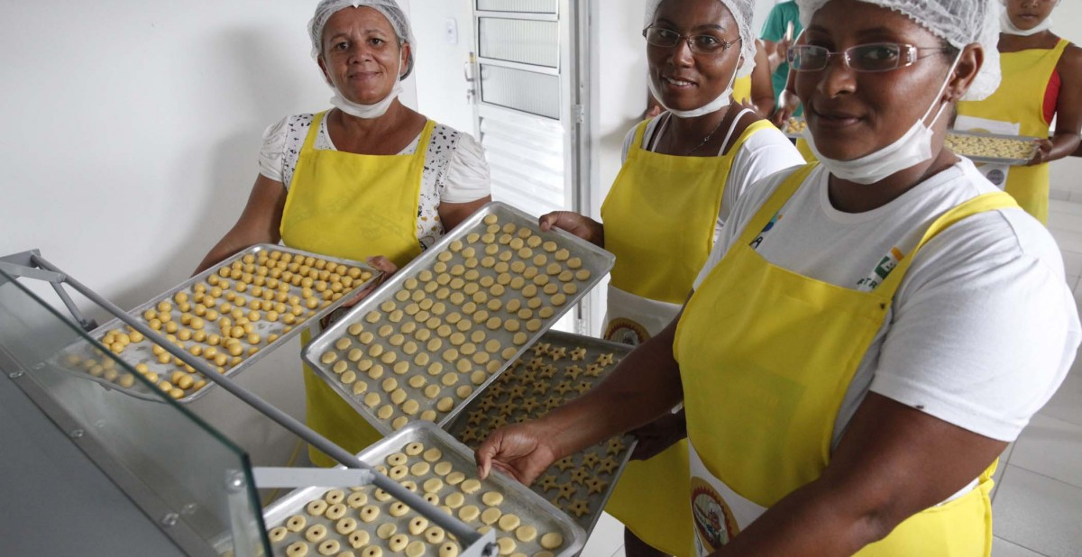 BrazilFoundation Mandassaia Riachão do Jacuípe Bahia Bolos Doces Biscoitos