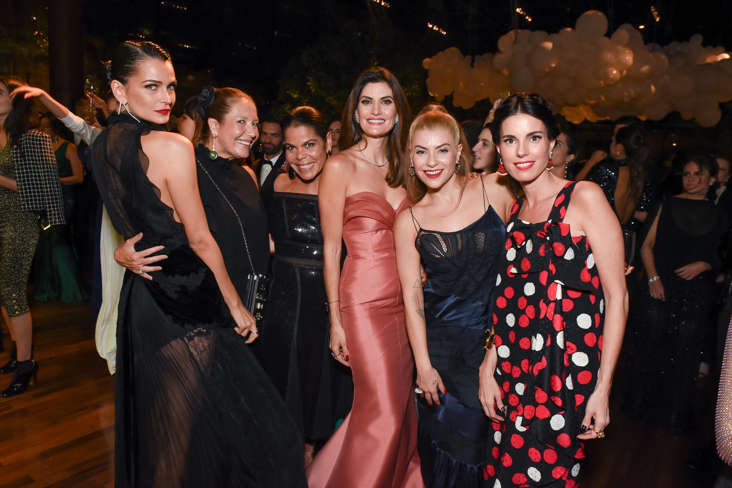 IV BrazilFoundation Gala São Paulo Fernanda Motta, Donata Meirelles, Daniela Falcao, Helo Rocha e Raquel Correa