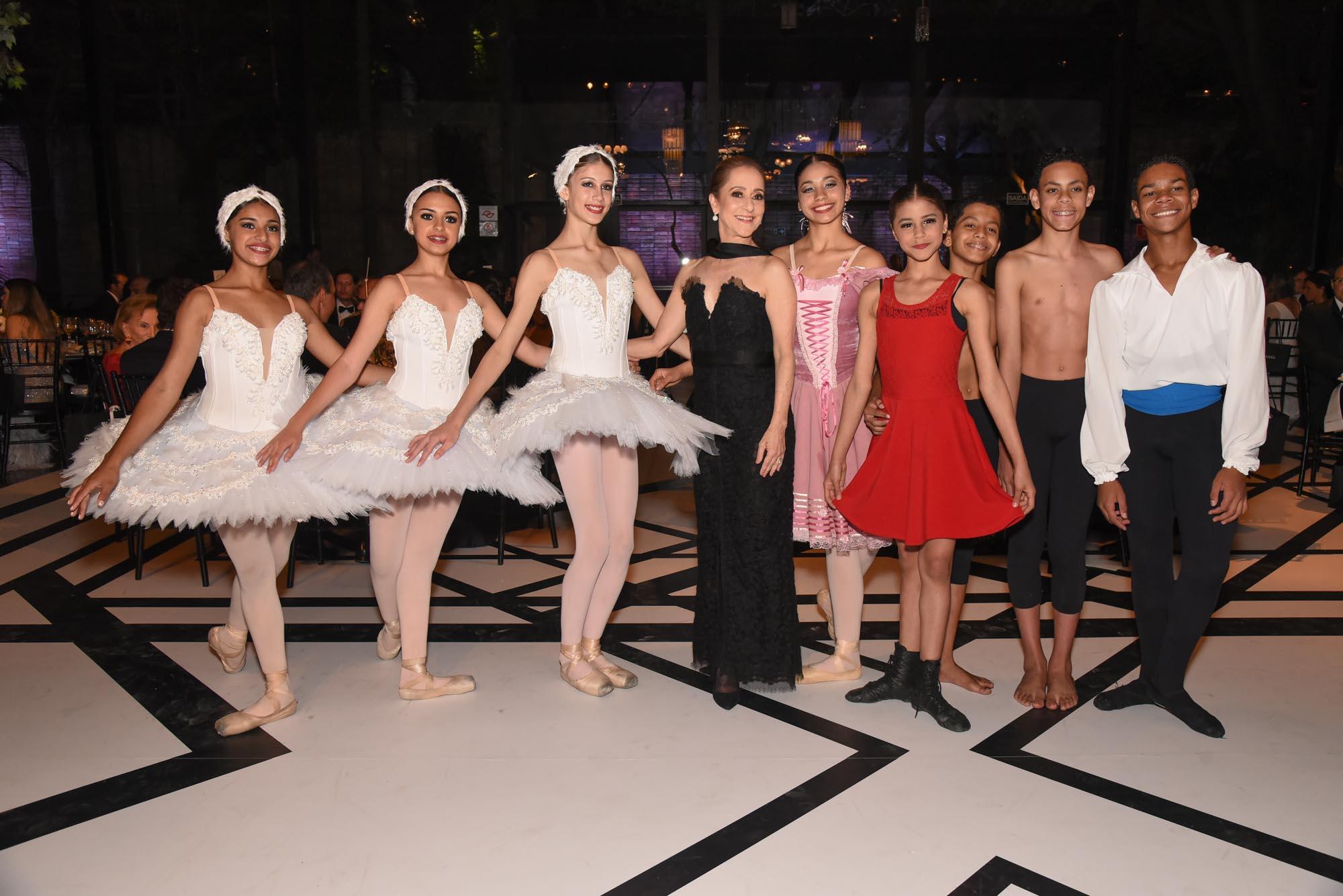 Ana Botafogo e Ballet Paraísopolis V BrazilFoundation Gala São Paulo Chanel 2018 Filantropia Brasil Philanthropy Brazil