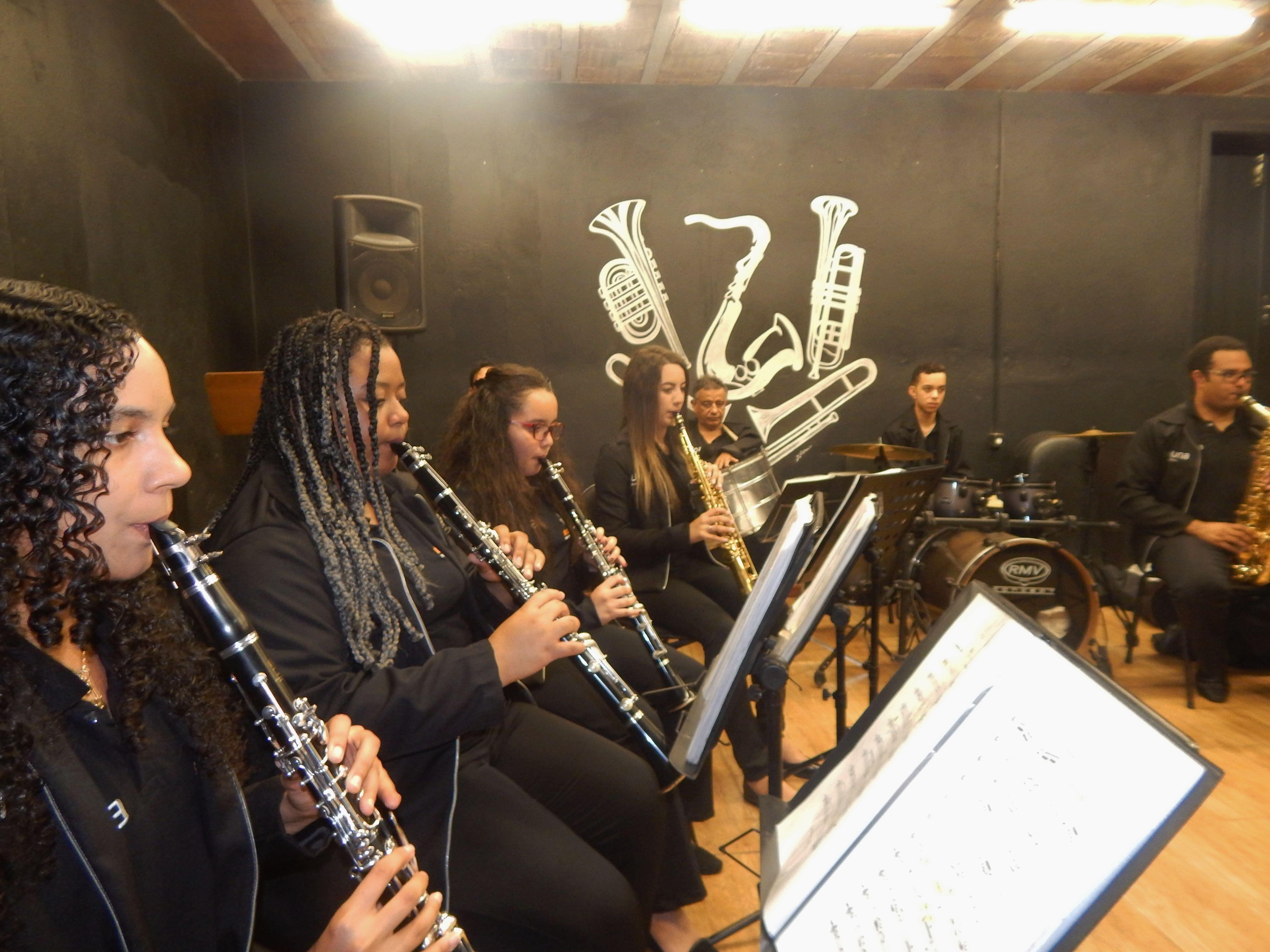 Banda São Sebastião Brumadinho cultura música BrazilFoundation Minas Gerais